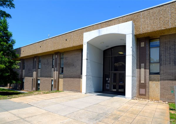 Building 58 - Natural Sciences, Exterior
